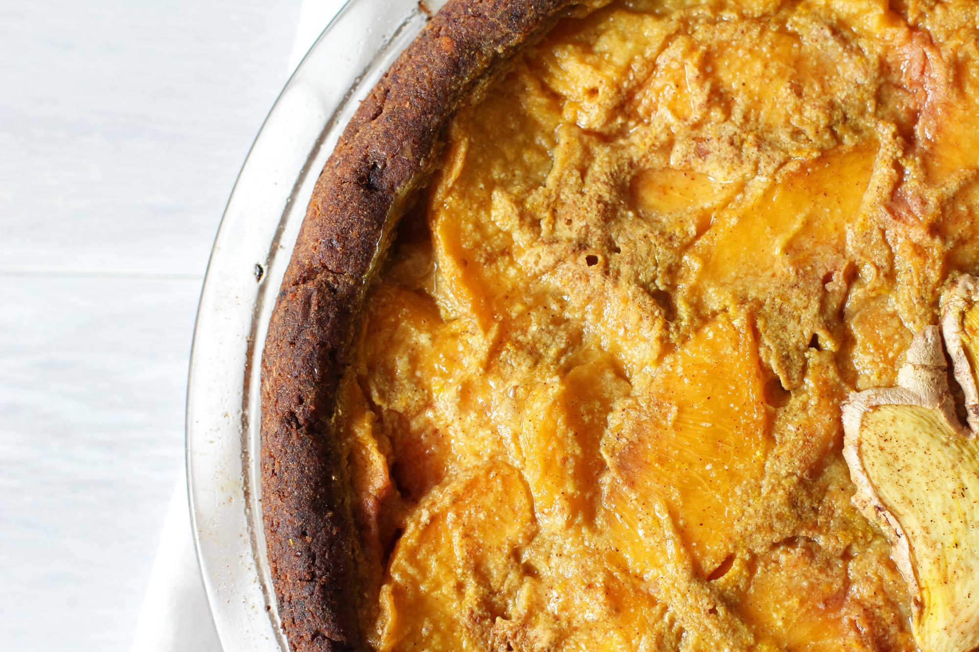 Ginger and Turmeric Peach Pie crust