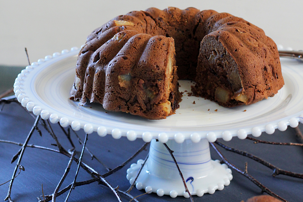 slice out of vegan and gluten free pear spice cake