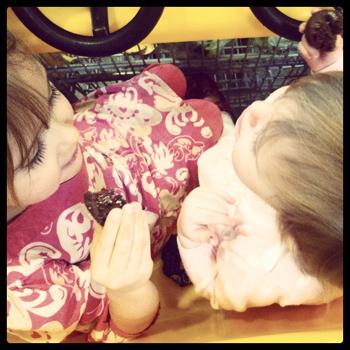kids eating doughnut